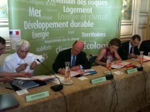 Signature de la Charte bois traités, ministère de l'Ecologie, Paris 2010
