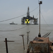 """Shipbreaking #41"", July 1 to September 30, 2015, radioactive offshore platforms are landing"